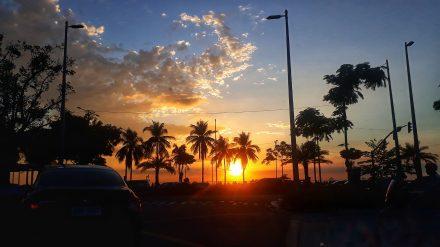 Baywalk: Between Sunset and Sunrise